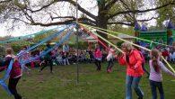 Am 03.05.17 feierten wir, bei schönem Wetter, unser jährliches Maibaumfest. Eröffnet wurde das Fest von Phillip O. und Frieda T. mit einem Frühlingsgedicht. Am Anschluss trat Frau Schulze mit der […]